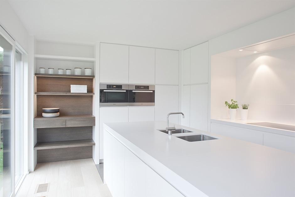 interieur lakwerk keuken wand satin /  banken beits