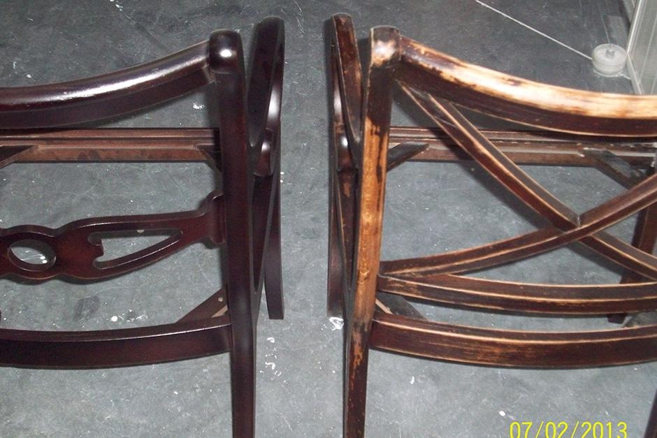 Kleuren en vernissen stoelen links NA/ rechts VOOR